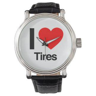 amo los neumáticos reloj de mano
