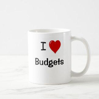 Amo los presupuestos - presupuestos del corazón de taza básica blanca