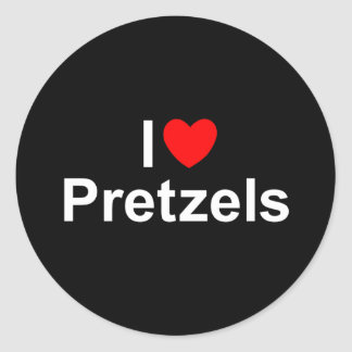 Amo los pretzeles (del corazón) pegatina redonda