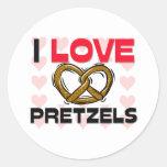 Amo los pretzeles pegatina redonda