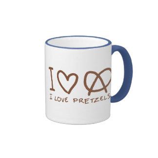 Amo los pretzeles taza de dos colores