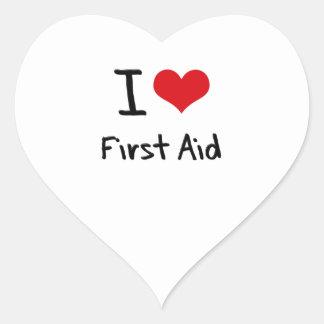 Amo los primeros auxilios pegatina en forma de corazón