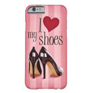Amo los zapatos funda para iPhone 6 barely there
