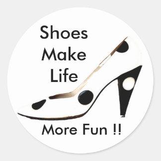 Amo los zapatos para las hembras que aman el hacer pegatinas redondas