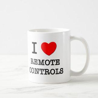 Amo mandos a distancia taza de café