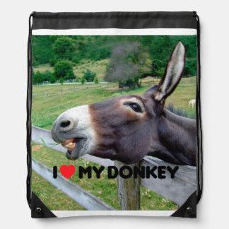 Amo mi animal del campo divertido de la mula del mochilas
