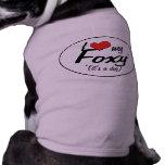 Amo mi astuto (es un perro) camiseta de perrito