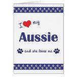 Amo mi australiano (el perro femenino) tarjeta