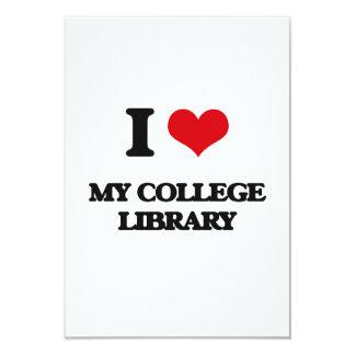 Amo mi biblioteca de universidad invitación 8,9 x 12,7 cm