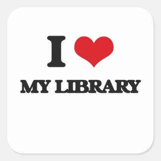 Amo mi biblioteca pegatina cuadrada
