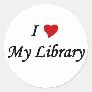 Amo mi biblioteca pegatina redonda