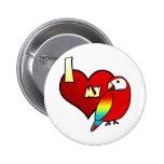 Amo mi botón del Macaw del escarlata