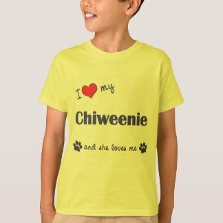 Amo mi Chiweenie (el perro femenino) Playera