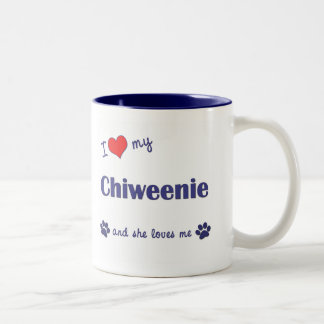 Amo mi Chiweenie (el perro femenino) Taza De Dos Tonos