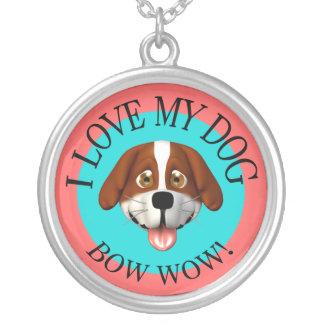 Amo mi collar del arco del perro guau