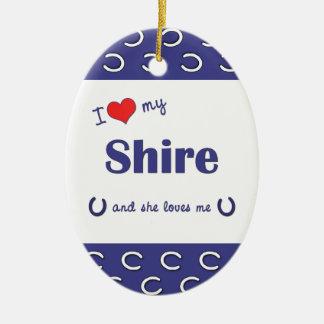 Amo mi condado (el caballo femenino) adorno navideño ovalado de cerámica