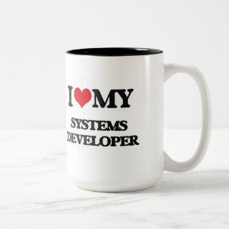 Amo mi desarrollador de los sistemas taza dos tonos