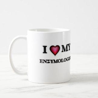 Amo mi Enzymologist Taza Clásica