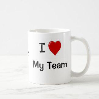 ¡Amo mi equipo y mi corazón del equipo yo! Taza De Café