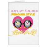 Amo mi estilo del pingüino del soldado felicitación