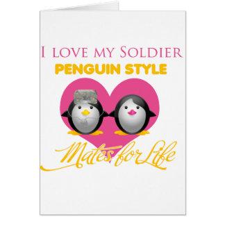 Amo mi estilo del pingüino del soldado tarjeta de felicitación