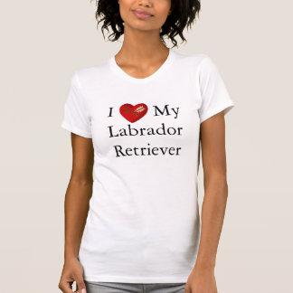 Amo mi flecha del blanco del corazón del labrador camiseta