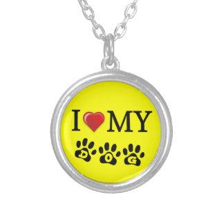 Amo mi fondo del amarillo del collar del perro