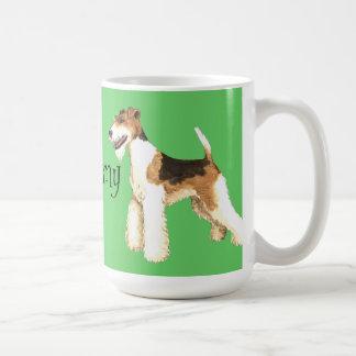 Amo mi fox terrier del alambre taza clásica