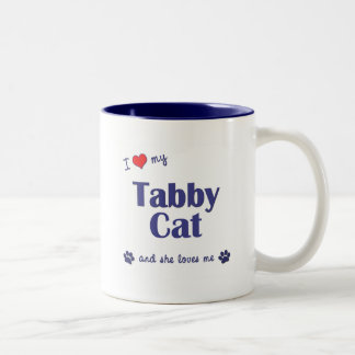 Amo mi gato de Tabby (el gato femenino) Taza De Dos Tonos