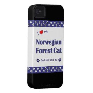 Amo mi gato noruego del bosque (el gato femenino) iPhone 4 carcasa