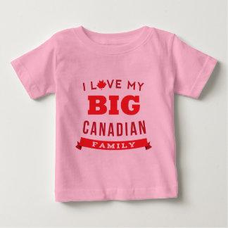 Amo mi idea canadiense grande de la camiseta de la remera