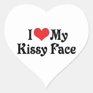 Amo mi Kissy hago frente Pegatina En Forma De Corazón