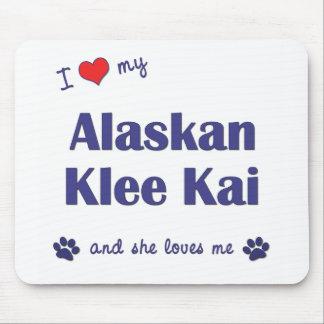 Amo mi Klee de Alaska Kai (el perro femenino) Tapetes De Ratones