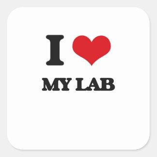 Amo mi laboratorio calcomanías cuadradass