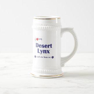 Amo mi lince de desierto (el gato femenino) jarra de cerveza