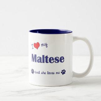Amo mi maltés (el perro femenino) taza de dos tonos