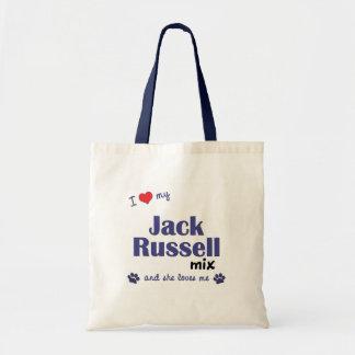 Amo mi mezcla de Jack Russell (el perro femenino)