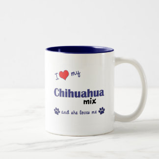 Amo mi mezcla de la chihuahua el perro femenino tazas de café