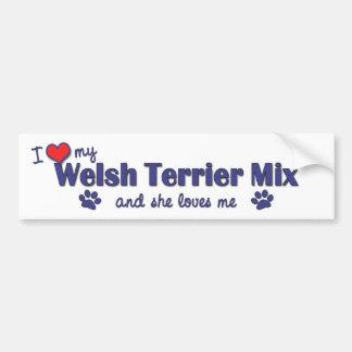 Amo mi mezcla de Terrier galés (el perro femenino) Etiqueta De Parachoque