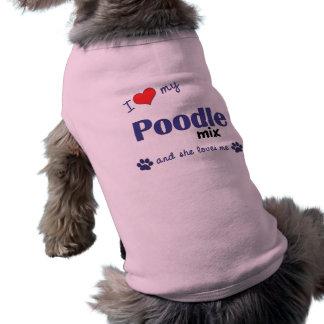 Amo mi mezcla del caniche (el perro femenino) camisa de perrito