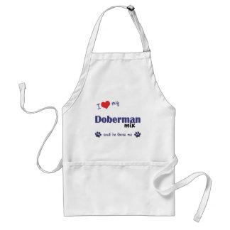 Amo mi mezcla del Doberman (el perro masculino) Delantal