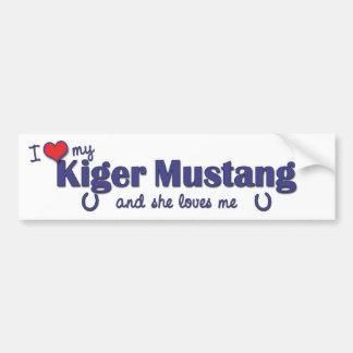 Amo mi mustango de Kiger (el caballo femenino) Etiqueta De Parachoque