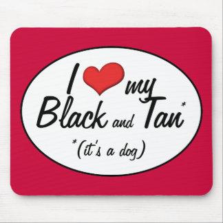 Amo mi negro y bronceo (es un perro) alfombrillas de ratones