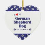 Amo mi perro de pastor alemán (el perro femenino) ornatos