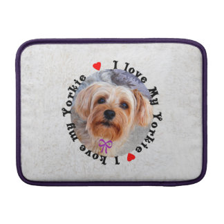 Amo mi perro femenino de Yorkie Yorkshire Terrier Fundas Macbook Air