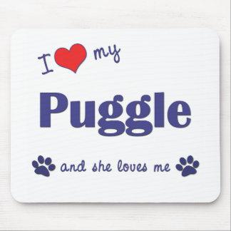 Amo mi Puggle (el perro femenino) Alfombrillas De Ratones