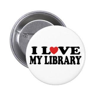 Amo mi regalo del bibliotecario de la biblioteca pin redondo de 2 pulgadas