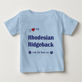 Amo mi Rhodesian Ridgeback (el perro femenino) Playera De Bebé