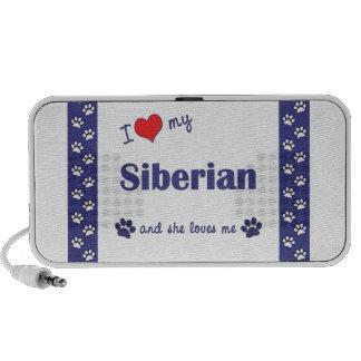 Amo mi siberiano (el gato femenino) altavoz de viaje
