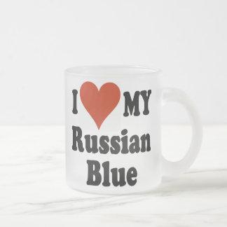 Amo mi taza de café helada el azul ruso